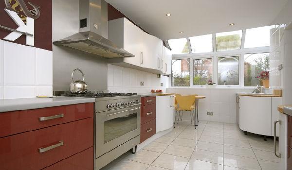 jendela besar di dapur